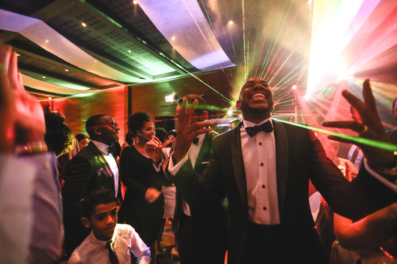 Marié danse Mariage noir photographe de chanteur de rap black kent