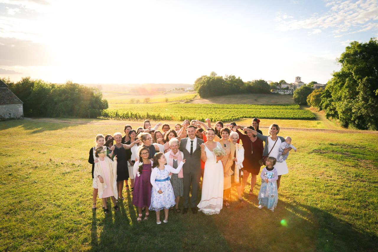 photo de groupe Me marier avec toutes les femmes du mariage