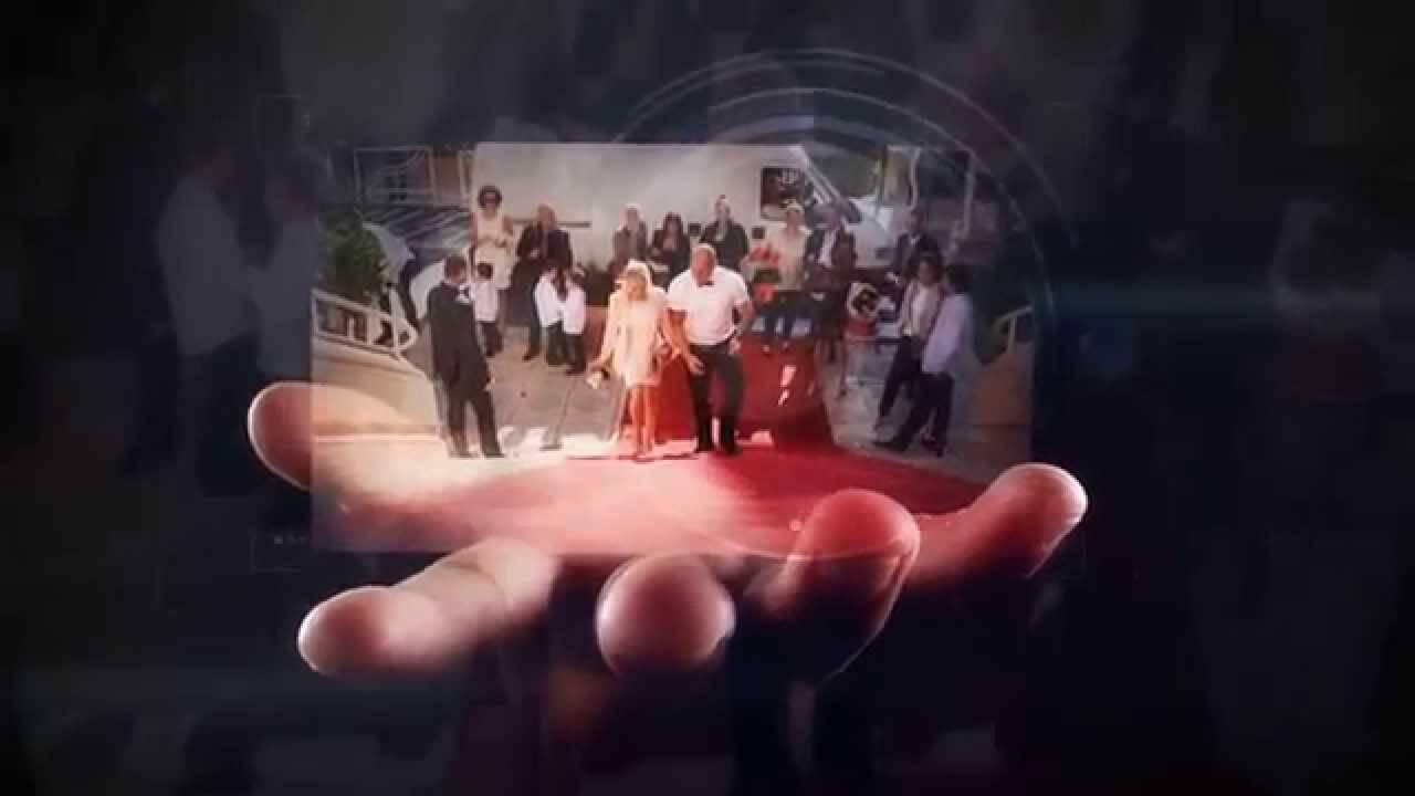Photos sur une main vidéaste vidéo Photographe de mariage 10 ans expériences Photo pleines d'émotions à votre service, en Gironde à Bordeaux. Christophe Boury